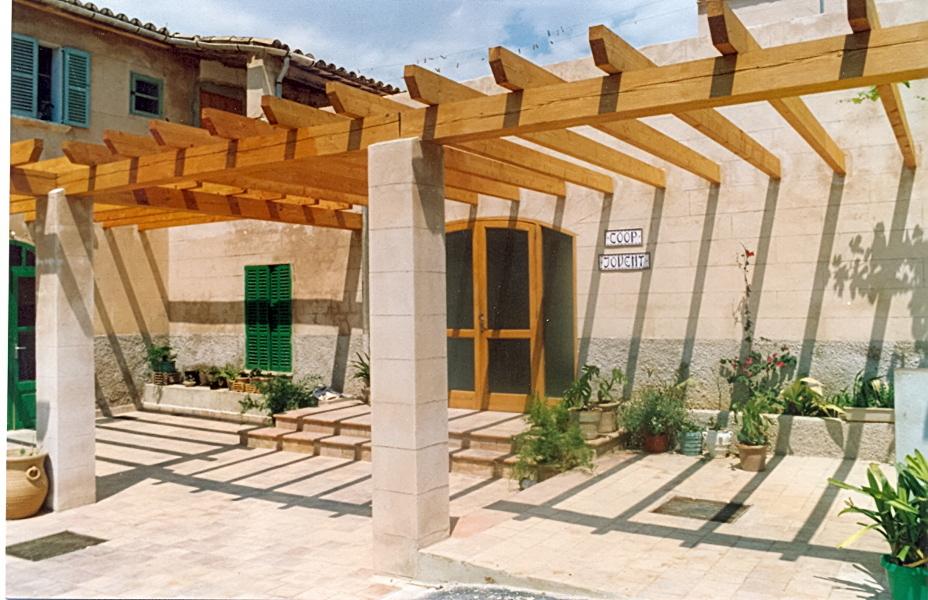El patio de Son Gibert con la reforma ya acabada (1989).