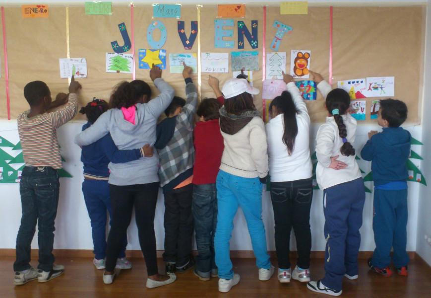 Se inician las actividades con niños/as y jóvenes en Sa Midoneria. Casal de barri Jovent (2013).
