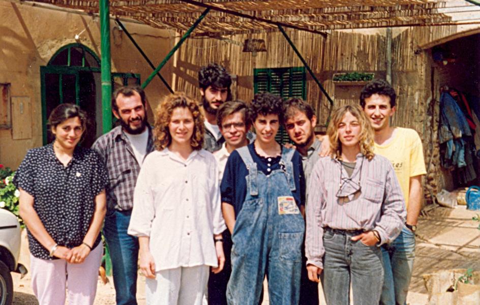 The team of the Jovent cooperative in the courtyard of Son Gibert (1987).